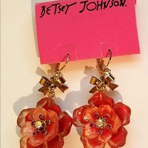New BETSEY JOHNSON Hawaiian Floral Crystal Earring